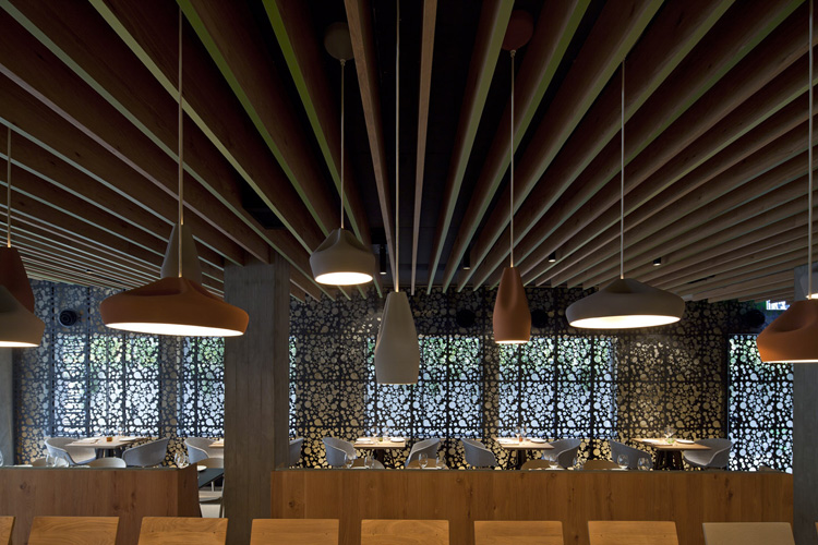 Bazplan dekoratif restoran ve cafe aydınlatması